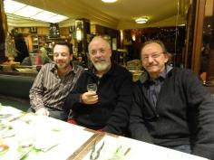 De gauche à droite, Michel Bussi, Max Obione et Didier Daenninckx, pendant le tournage en décembre 2013